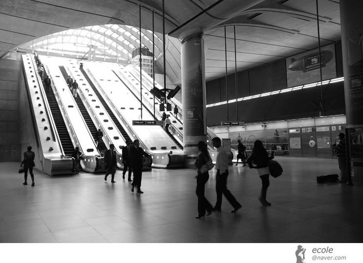 Canary Wharf Station 02 by 서정훈