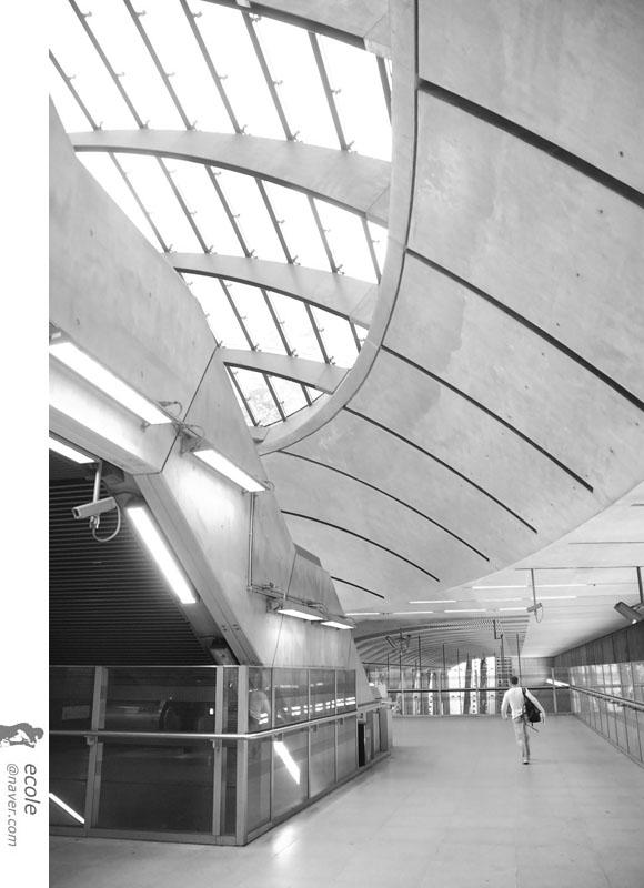 Canary Wharf Station 04 by 서정훈